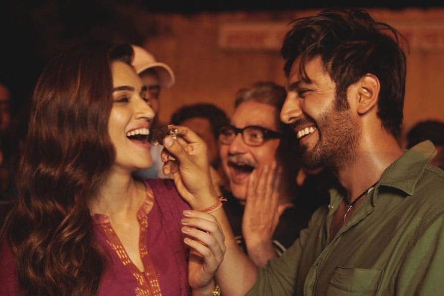 Luka Chuppi Movie Ticket Booking Offers, Release Date, Cast, Trailer, Songs, Review