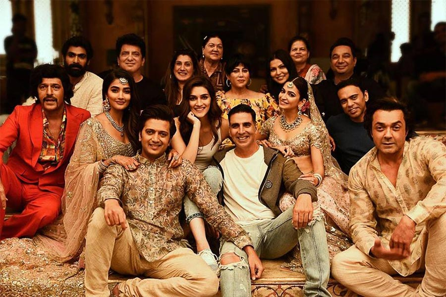 Housefull 4 Movie Ticket Offers, Online Booking, Ticket Price, Reviews and Ratings