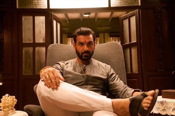 Mumbai Saga Movie Ticket Offers, Online Booking, Ticket Price, Reviews and Ratings