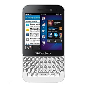 IMPORTED BlackBerry Q5 White,8 GB